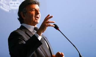 Ministro também determinou a intimação com urgência do Advogado-Geral da União e do Procurador-Geral da República para se manifestarem sobre o pedido