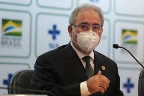 Ministro da Saúde negou que haja problema na distribuição de doses da AstraZeneca
