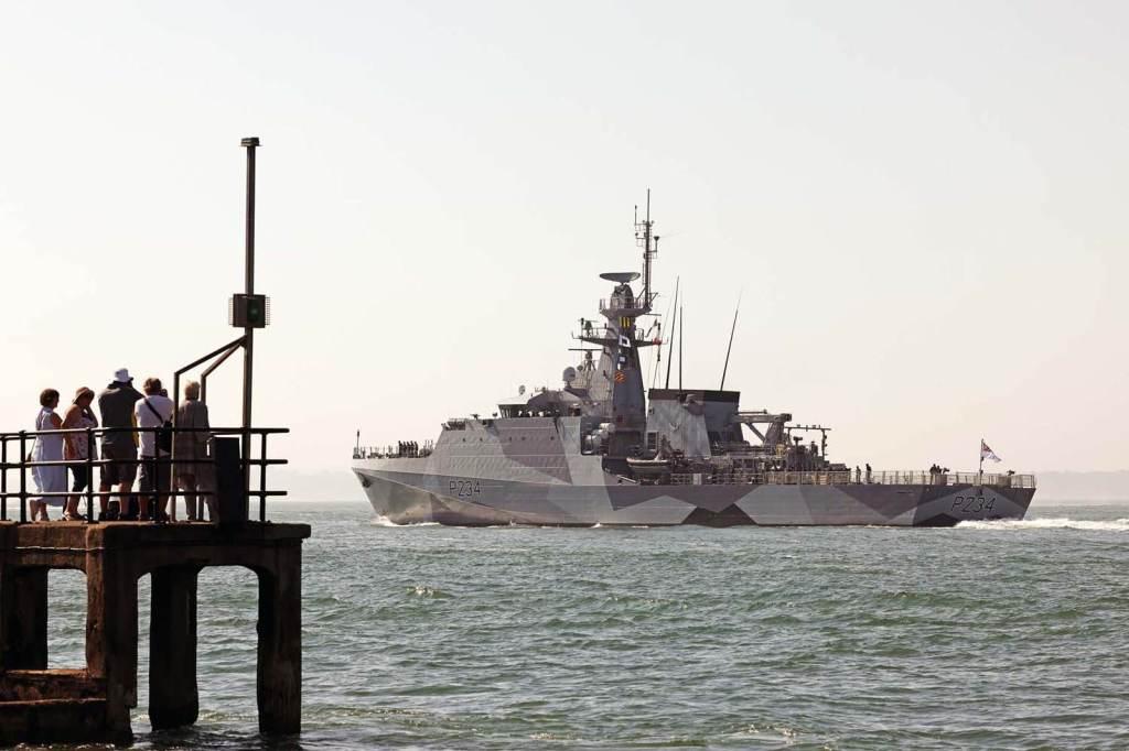 Navios britânicos foram pintados estilo da Primeira Guerra Mundial, que tinha o objetivo de torná-los mais difíceis de rastrear