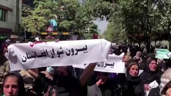 Segundo a porta-voz do escritório de direitos humanos das Nações Unidas, marchas pacíficas foram reprimidas com munição real, cassetetes e chicotes, resultando em pelo menos 4 mortes
