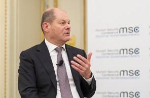 Scholz atua como ministro das Finanças e já foi prefeito de Hamburgo. Especialistas avaliam que ele deve governar pelo centro, assim como Merkel