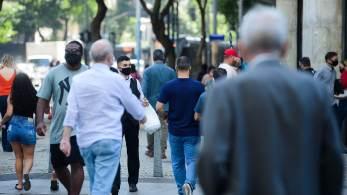 Cidade também autorizou presença de 50% da capacidadede público em estádios e ginásios mediante apresentação de comprovante de vacinação