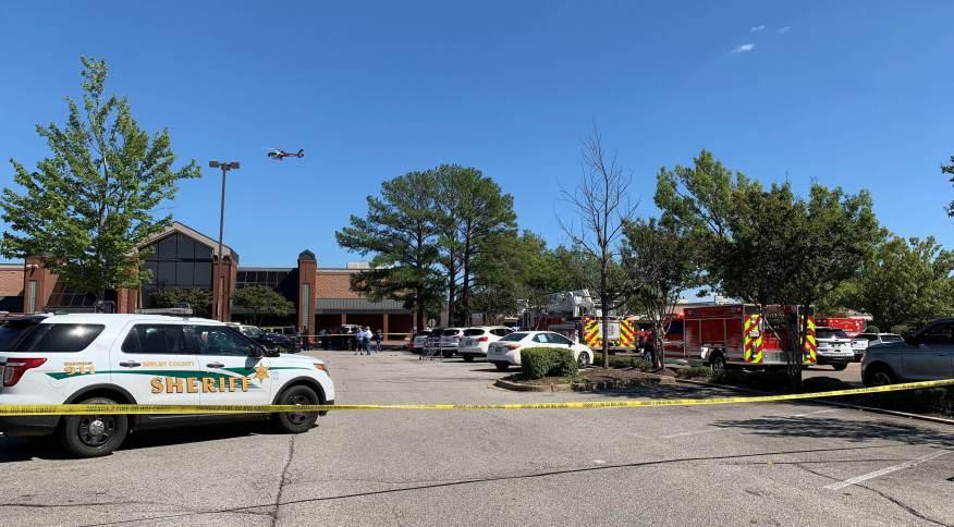 Policia isolou a área após tiroteio no Tennesse, EUA