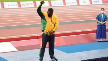 'O mundo sabe quem é o verdadeiro campeão', diz Thiago Paulino sobre medalha; ele teve parte dos arremessos – que dariam vitória e recorde na prova – invalidados após recurso chinês