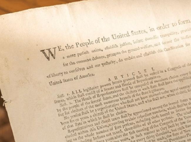 Cópia da primeira Constituição dos Estados Unidos vai a leilão