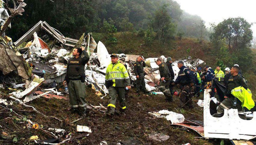 Aviao que transportava a equipe da Chapecoense cai na Colombia