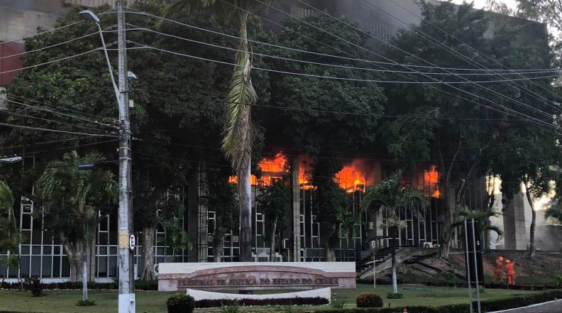 Sede do Tribunal de Justiça do Ceará na manhã desta segunda-feira (6)