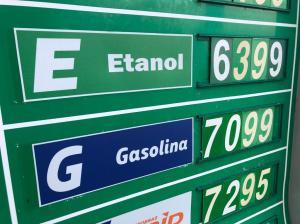 Gasolina ultrapassa barreira dos R$7 em Copacanana, na Zona Sul do Rio de Janeiro.