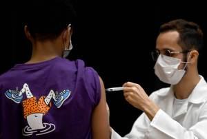 Vacinação completa chega a 40% da população; 15 milhões estão atrasados