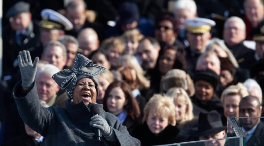 Cantora Aretha Franklin canta em cerimônia de posse do presidente eleito dos EUA, Barack Obama, em Washington, em 2009
