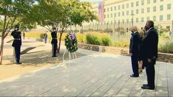Presidente depositou coroa de flores em silêncio e concluiu agenda de seu primeiro aniversário do atentado na liderança dos EUA