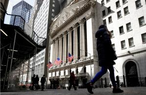 Bolsas de Nova York mostram recuperação após baque por Evergrande