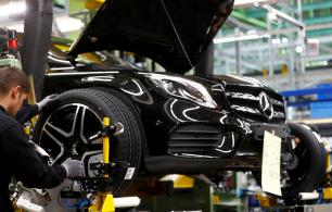Queda anual nas vendas em agosto foi de 14,7%, a 1,45 milhão de veículos