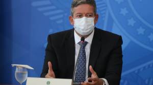 Fachin cobra Aras e diz que PGR não pode desistir de denúncia contra Lira