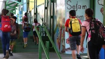 Relatório da Organização para a Cooperação e Desenvolvimento Econômico mostra empenho da maioria dos governos em investir mais na educação na pandemia