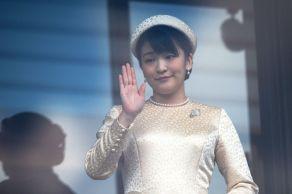 """Embora a saída """"dramática"""" da princesa Mako da família real japonesa seja comparável ao """"Megxit"""" britânico, há poucas semelhanças com Meghan e Harry"""