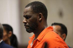 Ao todo, R.Kelly pode enfrentar décadas de prisão após sentença, que está marcada para o dia 4 de maio