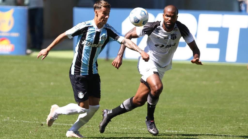 Em casa, Grêmio venceu o Ceará por 2 a 0 neste domingo (12)