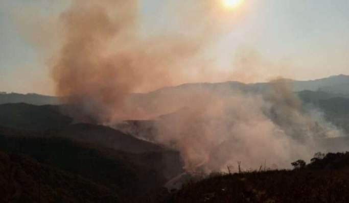 Fumaça dos focos de incêndio pode ser vista por diferentes pontos de Ouro Preto-MG