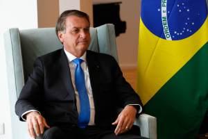 Prefeito de Nova York diz para as pessoas não serem como Bolsonaro e se vacinarem