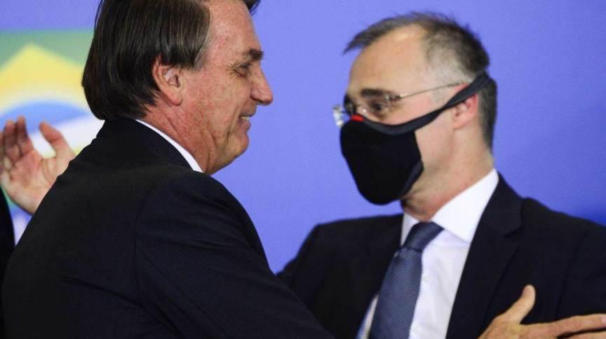 Bolsonaro negou as especulações de que desistiria de André Mendonça no STF