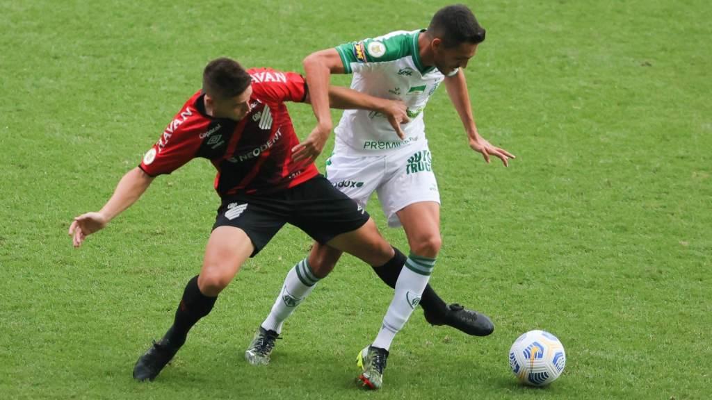América-MG recebeu o Athletico-PR em Belo Horizonte e venceu por 2 x 1