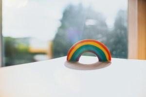 Suíça aprova legalização do casamento entre pessoas do mesmo sexo em referendo
