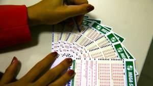 Veja números da Mega-Sena sorteados neste sábado; prêmio é de R$ 23,5 milhões