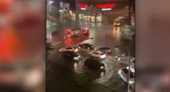Alagamentos causados pela passagem do furacão inundou apartamentos reformados ilegalmente e matou 13 pessoas