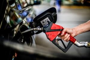 BP diz que quase um terço de seus postos de combustível no Reino Unido estão vazios