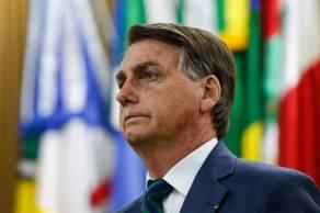 O presidente permanece em isolamento no Palácio do Planalto, cumprindo a recomendação da Agência Nacional de Vigilância Sanitária (Anvisa), após retorno de viagem aos Estados Unidos