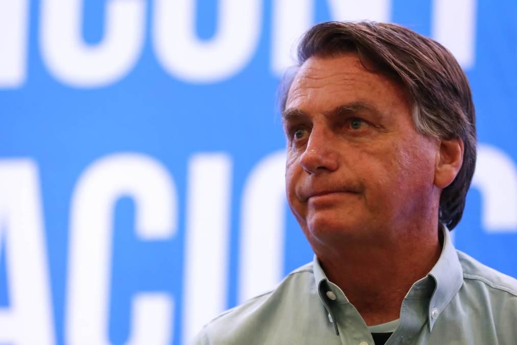 Bolsonaro diz que bloqueios atrapalham economia e pede que caminhoneiros liberem rodovias | CNN Brasil