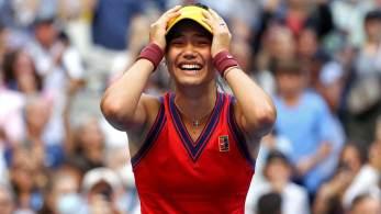 A jovem de 18 anos se tornou a primeira vinda do qualifying no tênis masculino ou feminino a chegar a uma final de Grand Slam – e, agora, se tornou a primeira a vencer uma