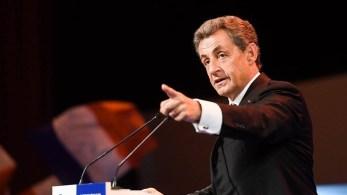 Segundo o processo, ex-presidente da França gastou quase o dobro dos quase R$ 140 milhões permitidos pela lei eleitoral francesa em comícios de campanha extravagantes