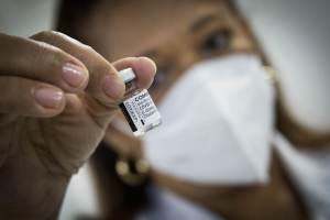 FDA dá autorização de uso de emergência para dose de reforço da vacina da Pfizer