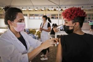 Conass e Conasems reforçam importância da imunização de adolescentes contra Covid