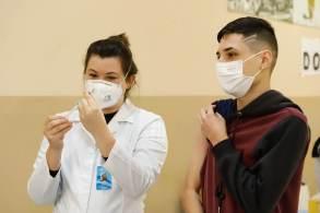 Menor adesão foi registrada em 2020; pasta atribui queda às fake news de grupos antivacinas e à pandemia da Covid-19