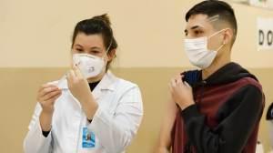 Mais de 60% das cidades já vacinam adolescentes contra Covid-19