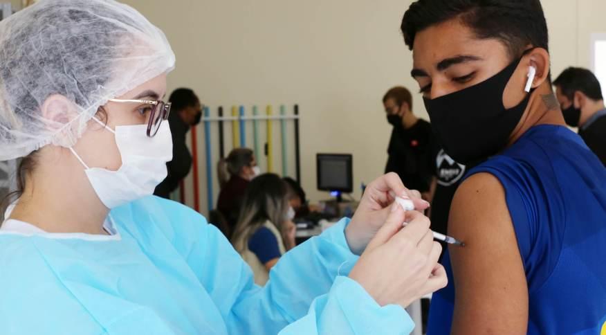 Vacinação contra a Covid-19 em São José dos Campos (SP)