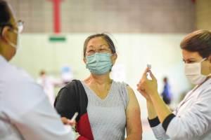 Brasil tem a população mais disposta a se vacinar contra a Covid-19, diz pesquisa
