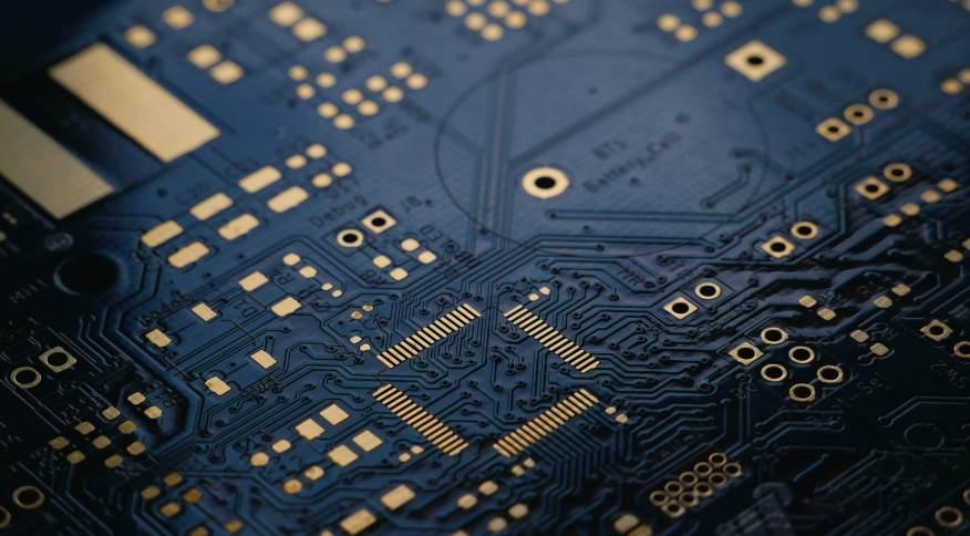 Fábricas de semicondutores na China paralisam produções para atender a novas políticas de energia