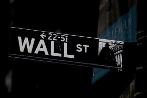 Investidores avaliam um alerta da Fitch sobre as negociações referentes ao teto da dívida dos Estados Unidos