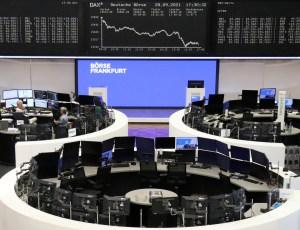 Bolsas da Europa fecham em baixa, pressionadas por China e EUA