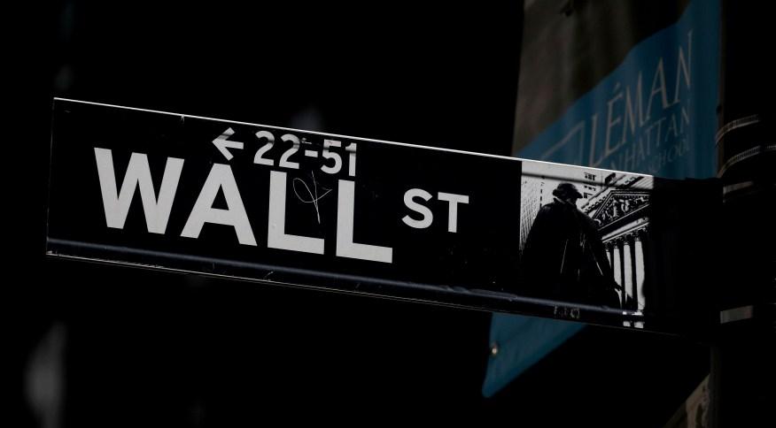 Setores de tecnologia e serviços de comunicação lideravam as perdas do S&P 500
