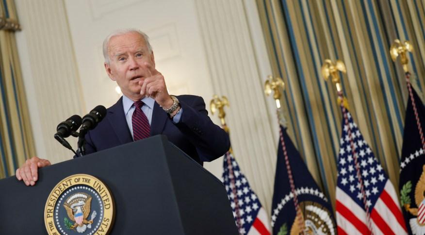 Joe Biden diz que alta do teto envolve saldar débitos antigos