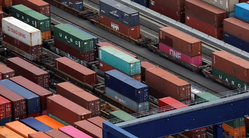 Déficit foi impulsionado pela alta de importações