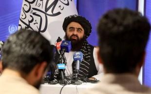 Novo governo do Talibã se empenha em construir relações com outros países para ajudar a conter uma crise econômica