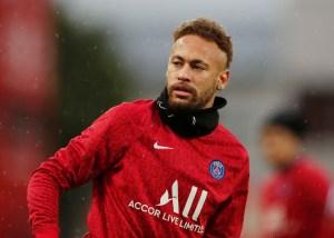 Neymar se recupera de lesão e volta ao time do PSG contra Olympique Marseille