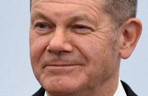 Olaf Scholz anunciou que está almejando conversas com líderes de outros partidos para uma coalização