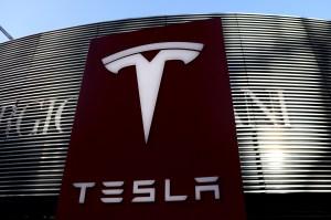 Tesla tem receita trimestral praticamente em linha com o esperado